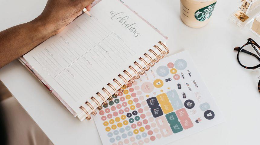 Cum te ajută organizarea să îți gestionezi mai bine stresul